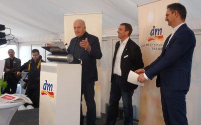 dm legt den Grundstein für neues Verteilzentrum im GVZ Wustermark