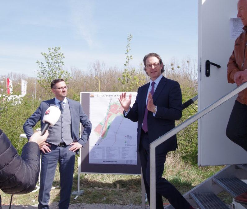 Bundesverkehrsminister Scheuer im Güterverkehrszentrum Berlin Süd Großbeeren