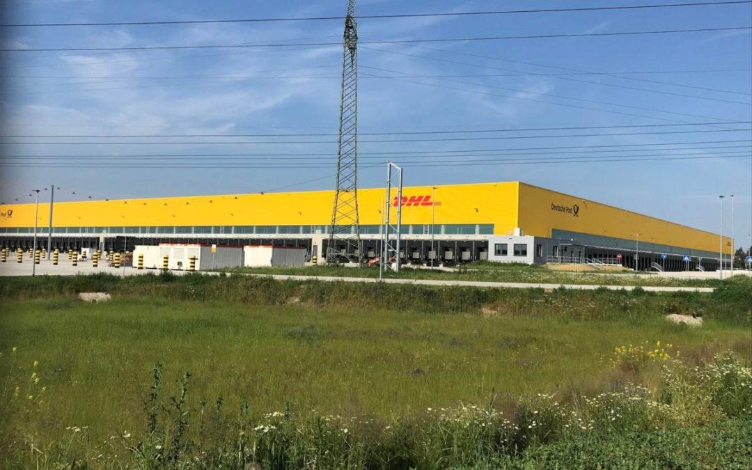 Eichspitze Ludwigsfelde: DHL stellt Rohbau für Mega-Paketzentrum fertig